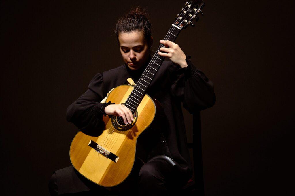 renata-arlotti-chitarrista-classica-italia